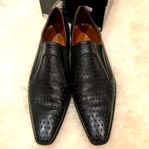 Enzo Pascucci man's black leather dress shoes